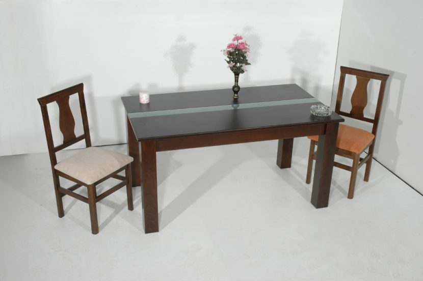 Dining table (150x80x75) from 280 €