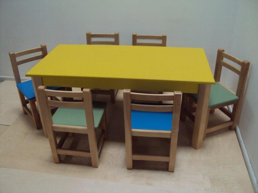 Επαγγελματικό Παιδικό Ξύλινο Τραπέζι 75€ Λάκα (120Χ60Χ54)
